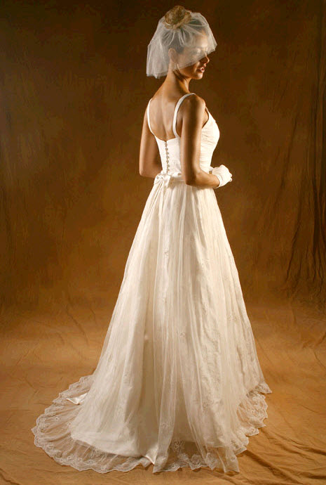 Avioanni-wedding-dresses-grace-back.original
