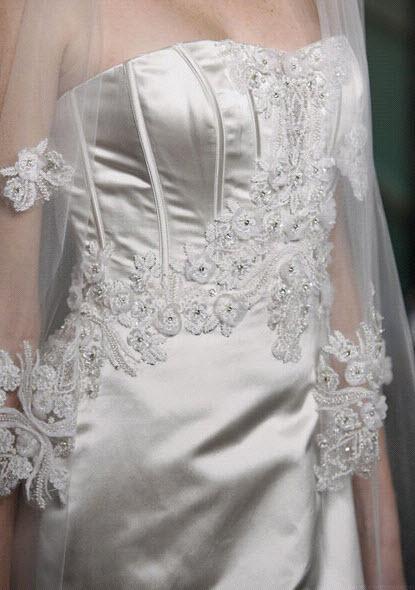 Badgley-mischka-bride-wedding-dress-cindy-detail.full