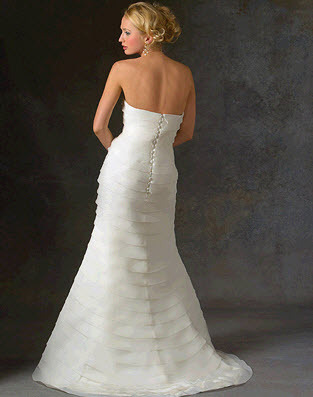 Bara-luxe-wedding-dress-juliet-back.full