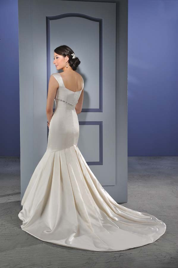 Bonny-bridal-wedding-dress-012-back.full