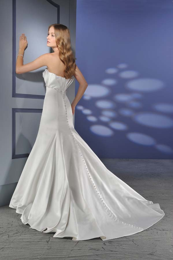 Bonny-bridal-wedding-dress-018-back.full