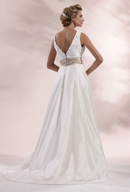 Chialieu-wedding-dress-1420-back.full