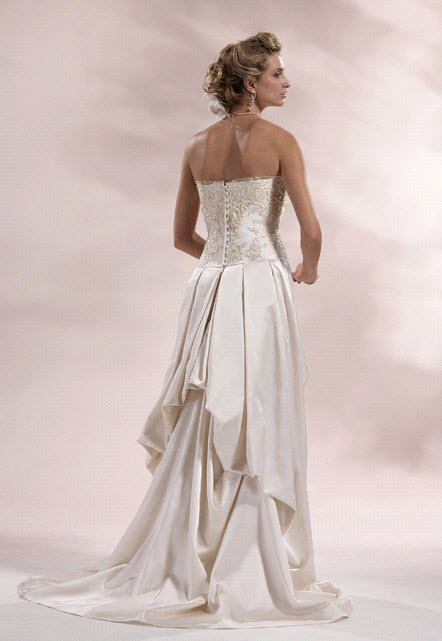 Chialieu-wedding-dress-1422-back.full