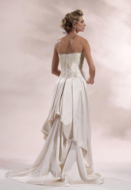 Chialieu-wedding-dress-1422-back_0.full