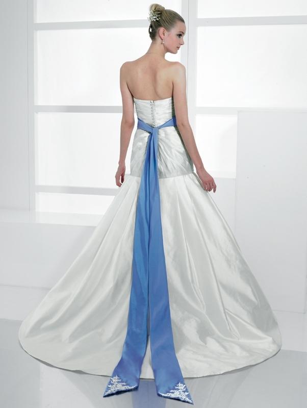 Val-stefani-wedding-dresses-d7981-b.full