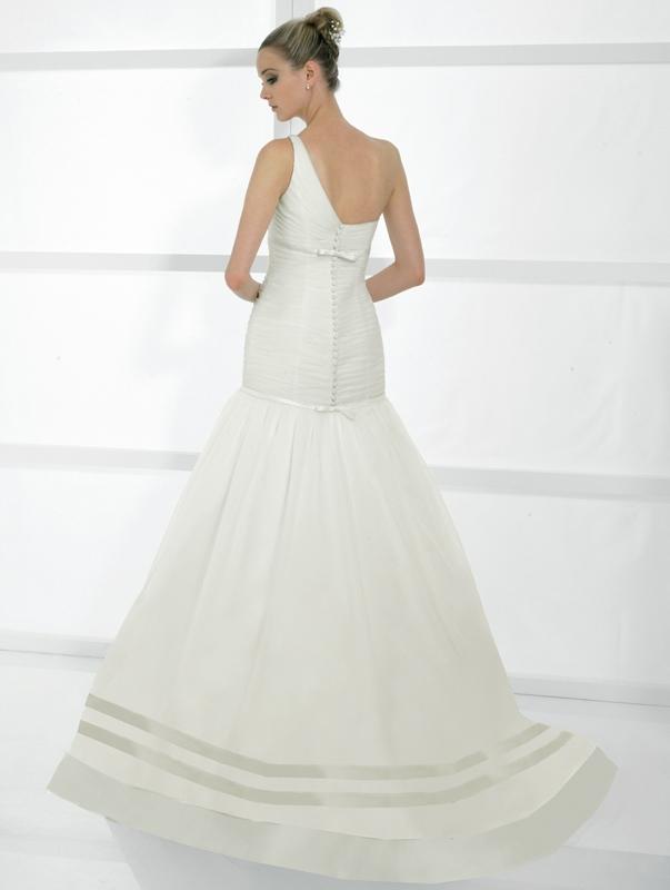 Val-stefani-wedding-dresses-d7983-b.full