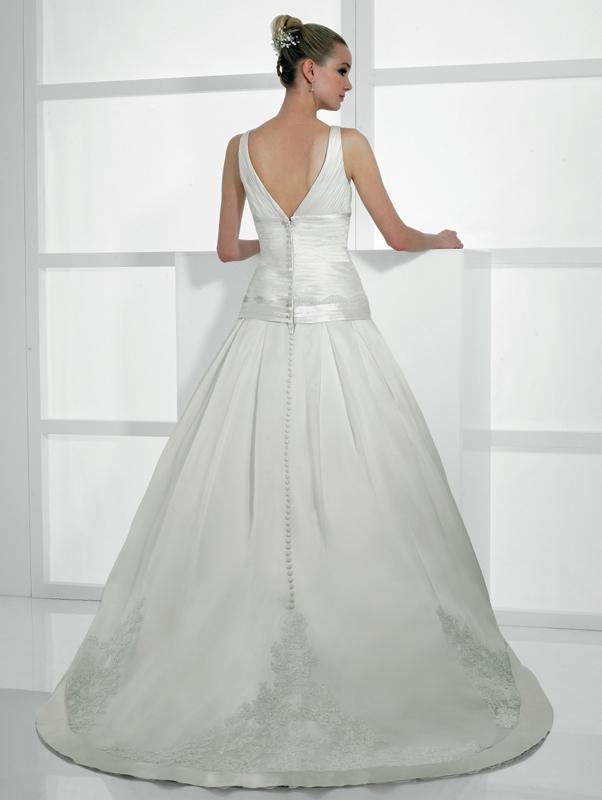 Val-stefani-wedding-dresses-d7984-b.full