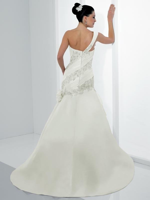 Moonlight-bridal-stephanie-collection-wedding-dresses-j6141-b.full