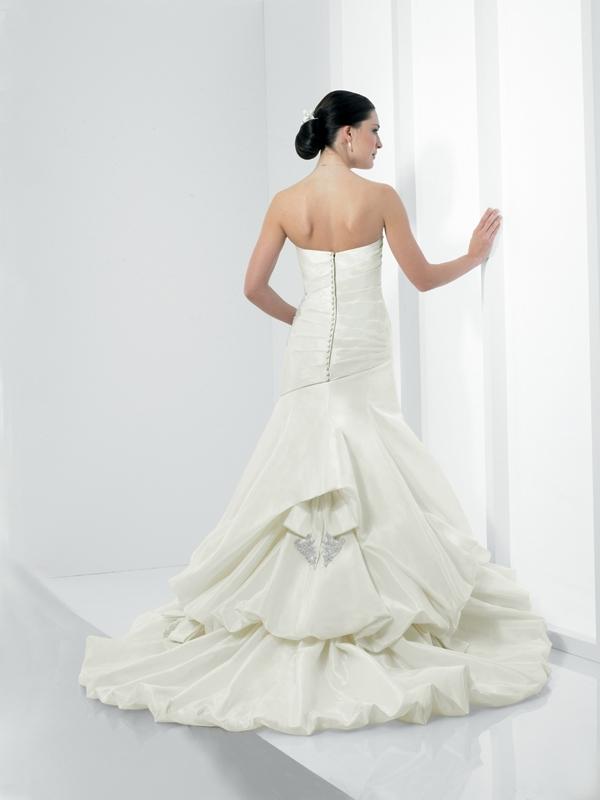 Moonlight-bridal-stephanie-collection-wedding-dresses-j6146-b.full