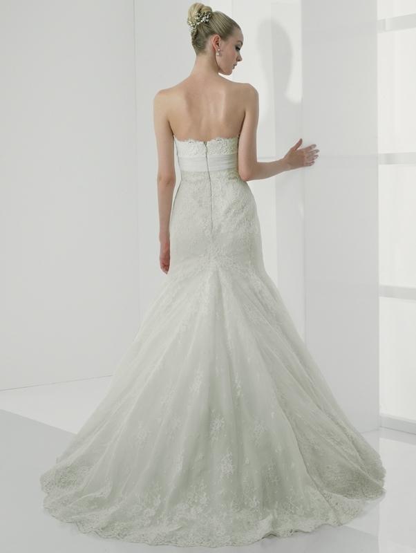 Simply-val-stefani-wedding-dress-s1982-back.full