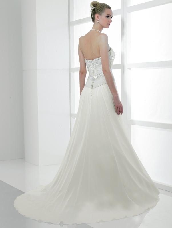 Simply-val-stefani-wedding-dress-s1983-back.full