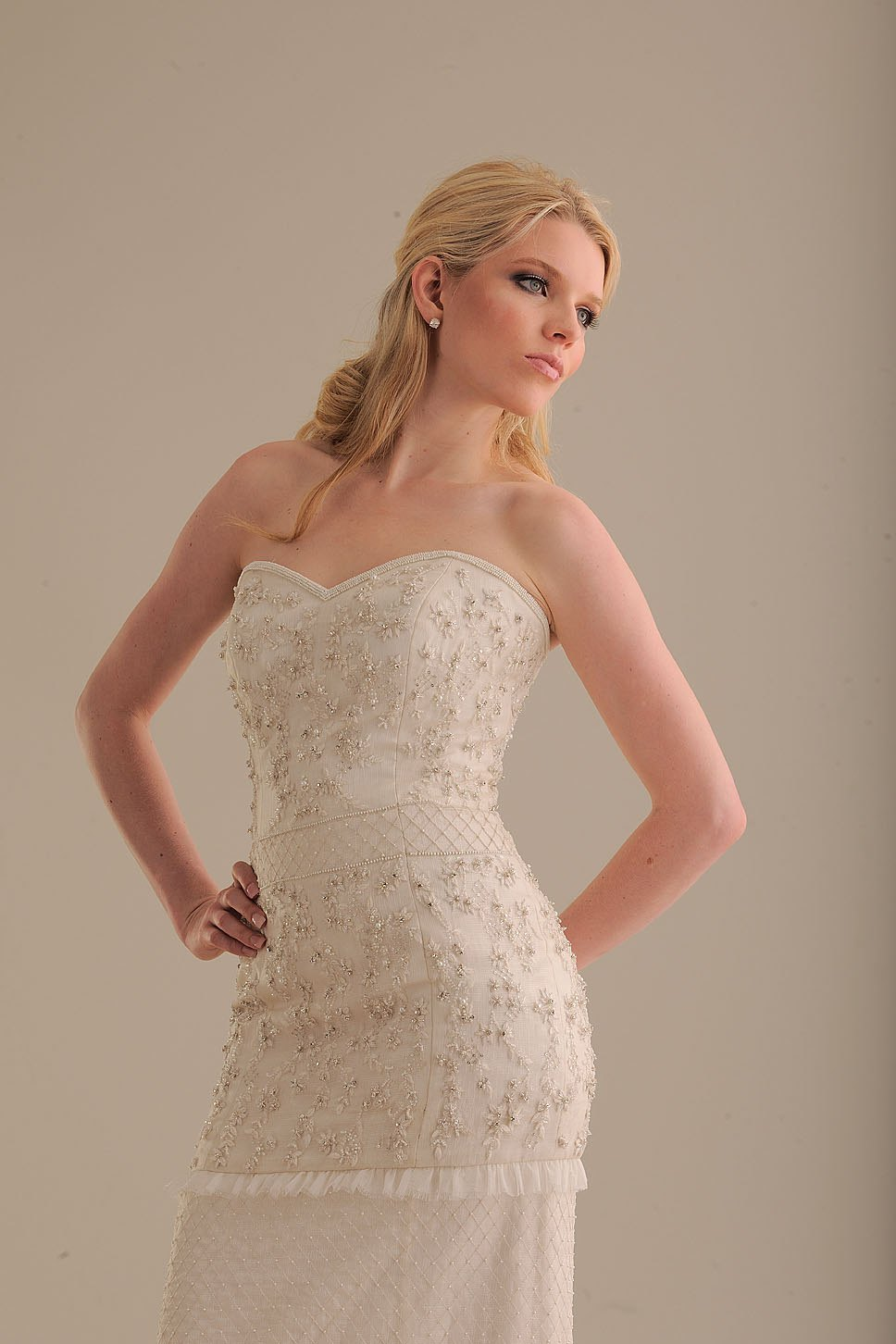 No-ordinary-bride-wedding-dress-845-3.full