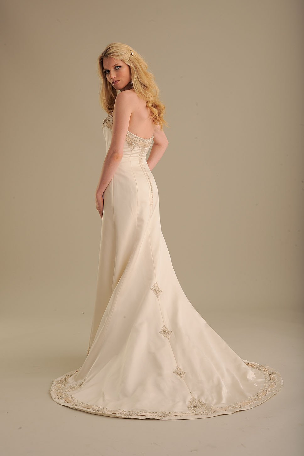 836 image for No back wedding dress