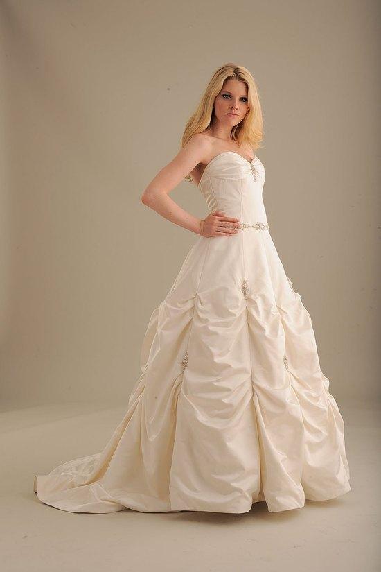 photo of 840 Dress