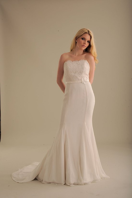 photo of 842 Dress