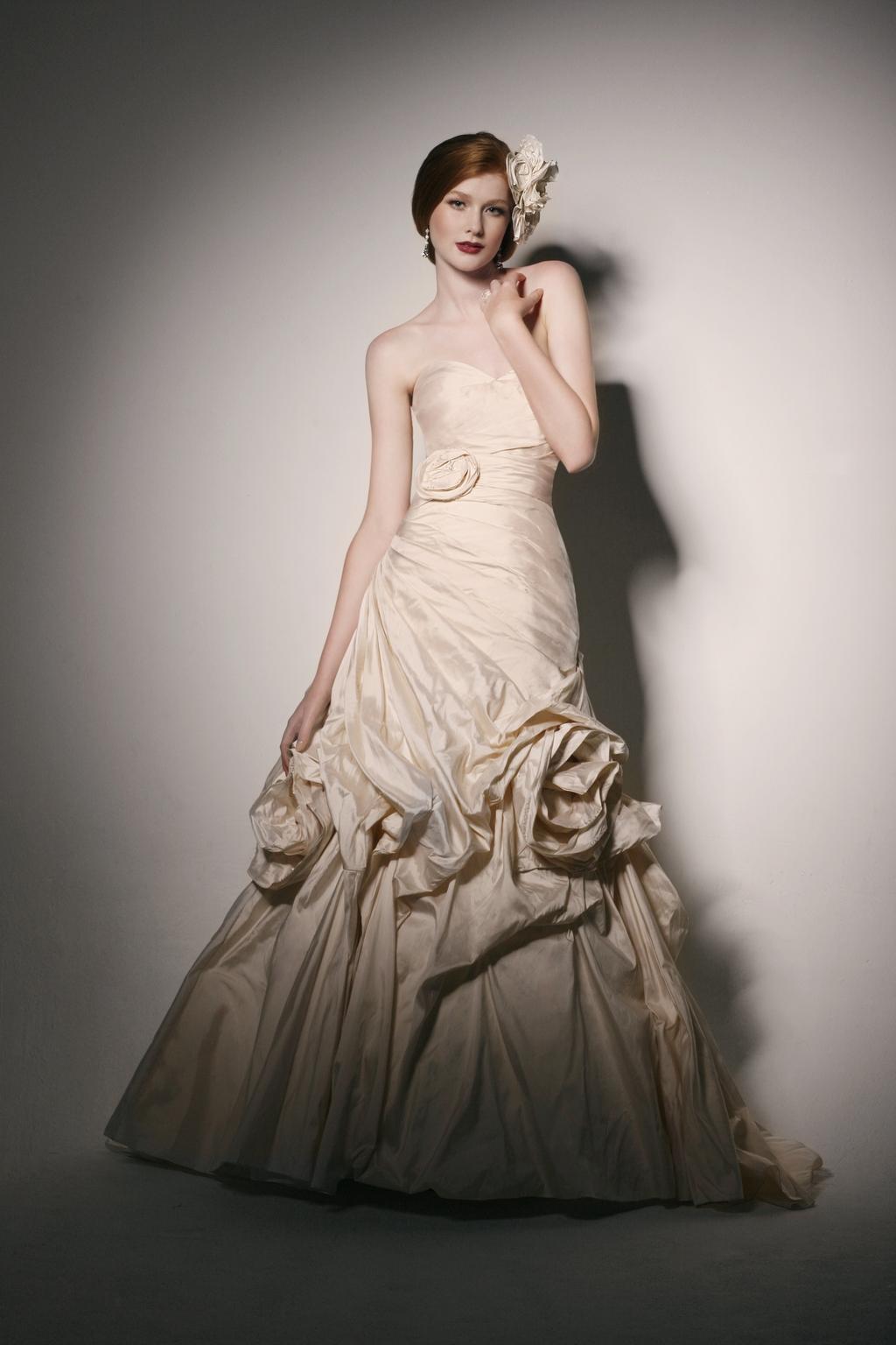 Martina-liana-wedding-dresses-2010-2011-316.full