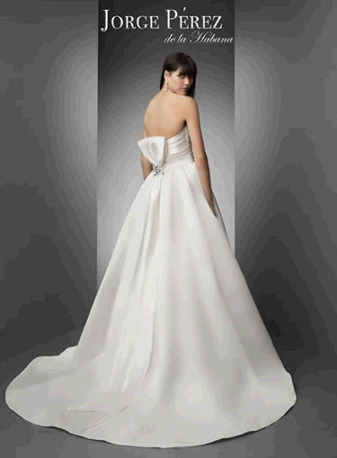 Jorge-perez-wedding-dresses-11-back.full