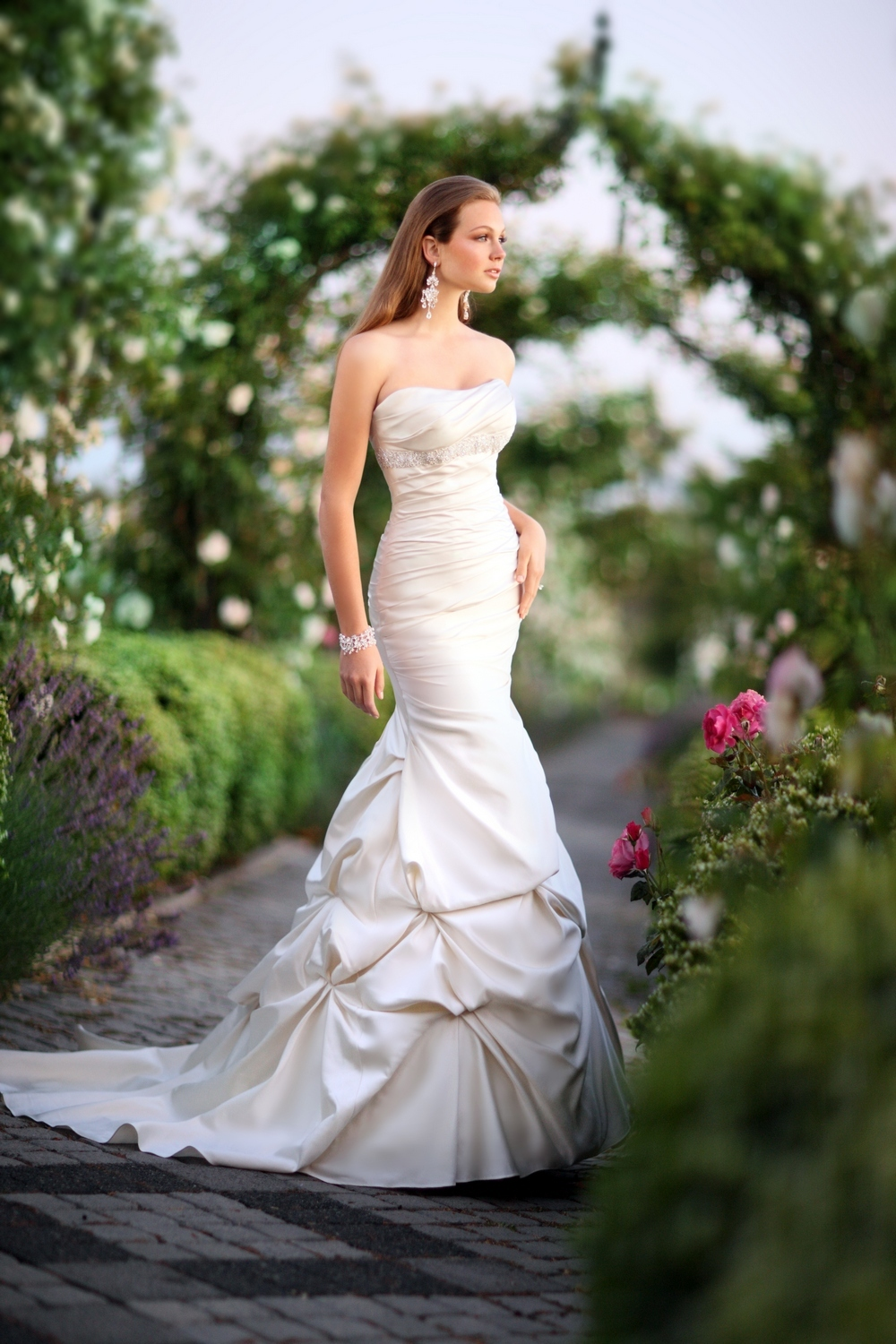 Essense-of-australia-wedding-dresses-2010-2011-d1129-side.full