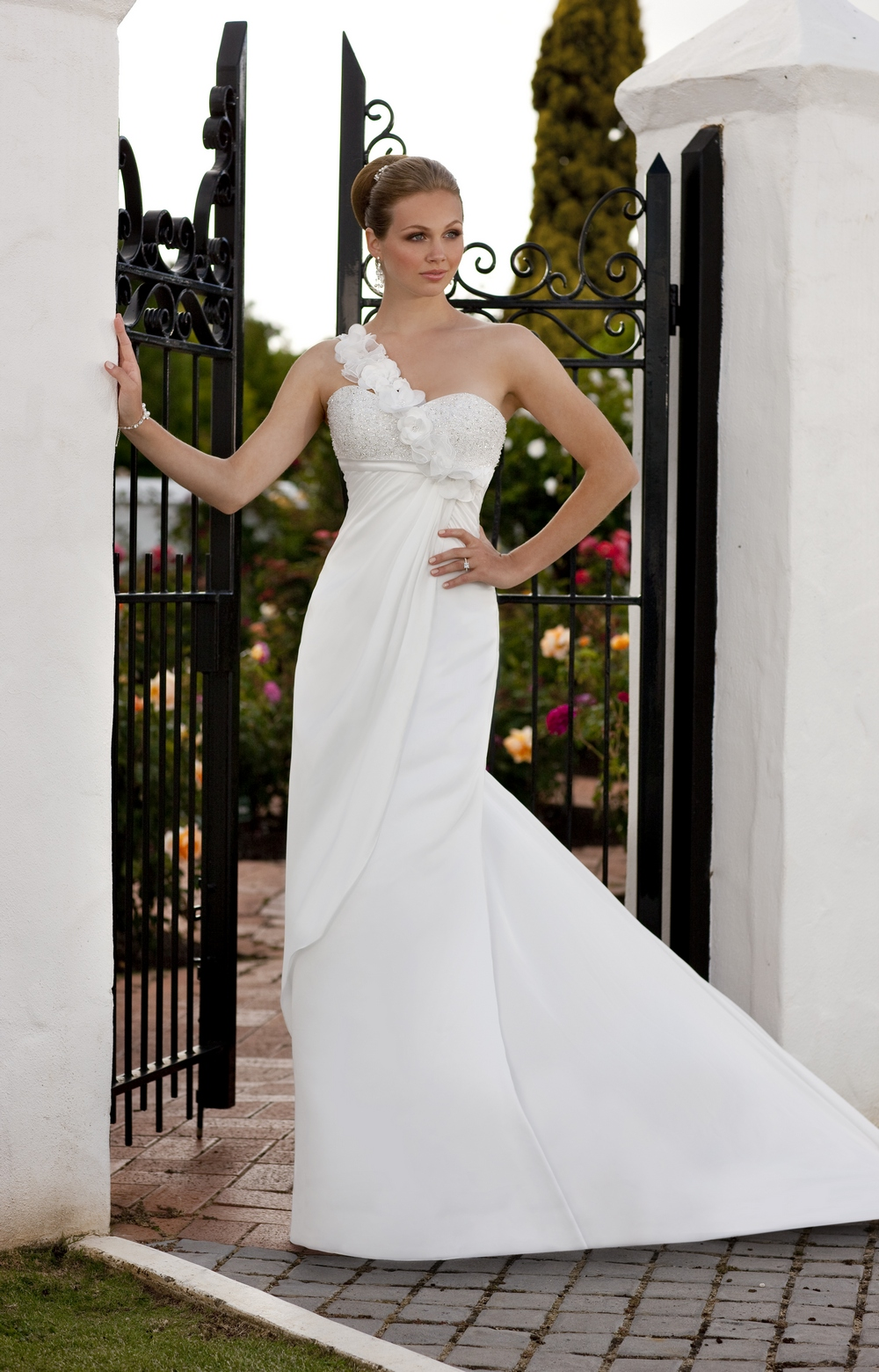 Essense-of-australia-wedding-dresses-2010-2011-d1080-assymetric-strap.original