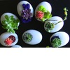 Simple-wedding-centerpieces-for-a-handcrafted-wedding-white-egg-like-vases.square