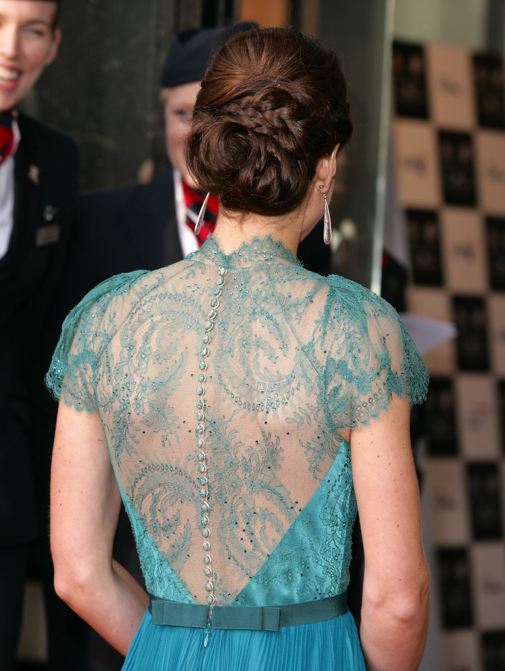 Kate-middleton-wears-elie-saab-lace-covered-back.full