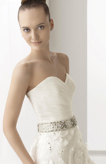 Aire-barcelona-naipe-embroidered-organza-wedding-dress-floral-applique-jeweled-belt-back-sweetheart-neckline-white-detail.full