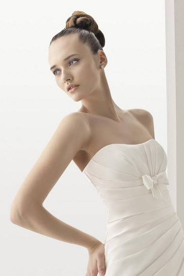 Aire-barcelona-narciso-organza-white-wedding-dress-bow-beneath-bust-full-aline-detail.full