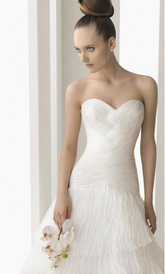 Aire-barcelona-navar-sweetheart-white-organza-wedding-dress-drop-waist-detail.full