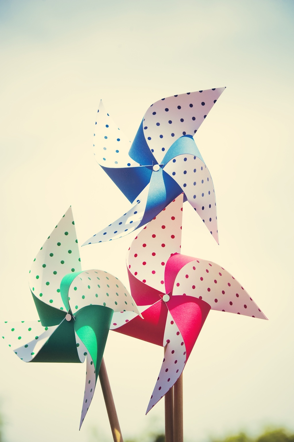 Whimsical-garden-wedding-polka-dot-pinwheels.full