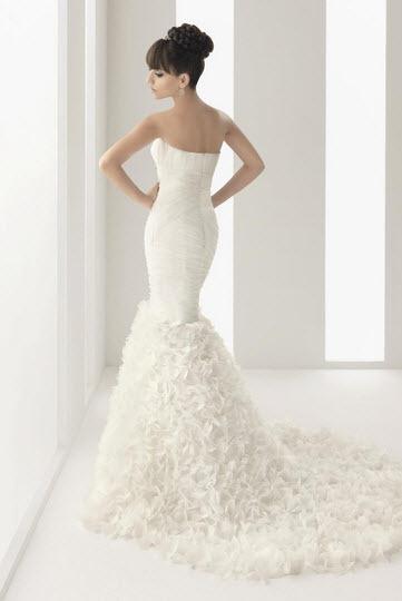 Aire-barcelona-navia-white-silk-wedding-dress-strapless-mermaid-back.full