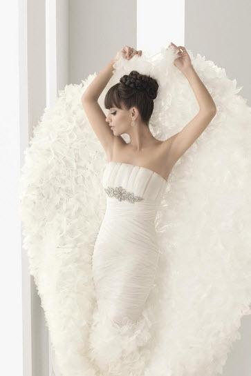 Aire-barcelona-navia-white-silk-wedding-dress-strapless-mermaid-detail.full