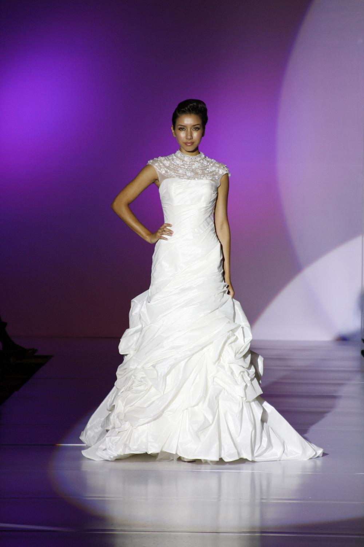 Enzoani-finnia-spring-2011-wedding-dress-bustling-sheer-illusion-neckline.full