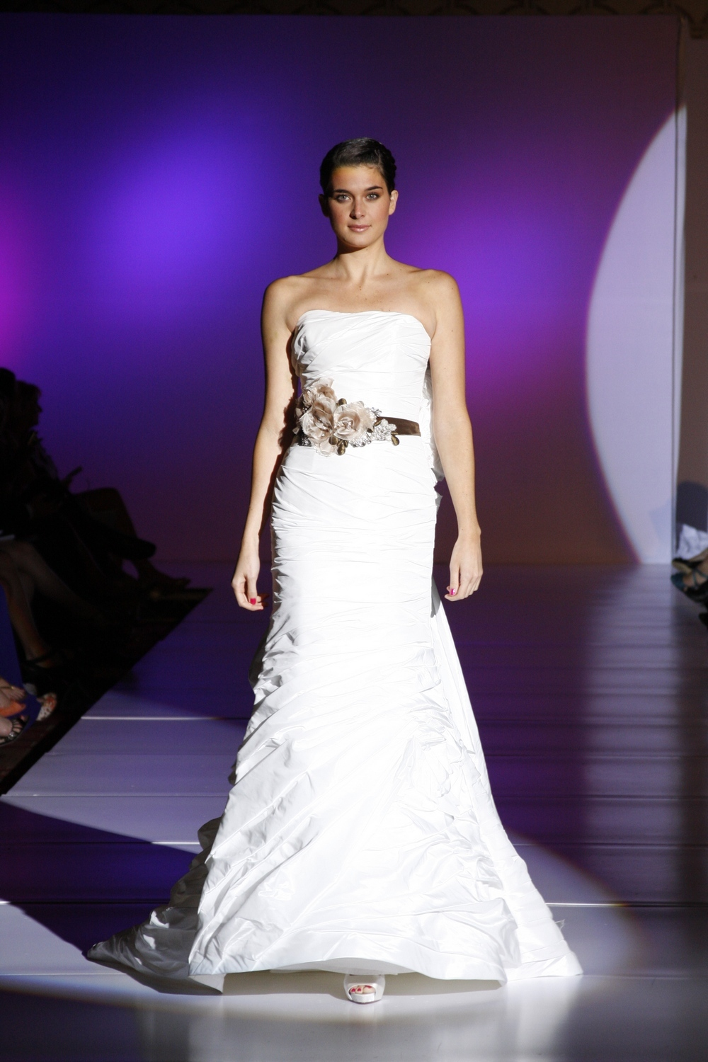 Enzoani-fern-spring-2011-wedding-dress-modified-mermaid-tiers-strapless-statement-bridal-belt-front.full