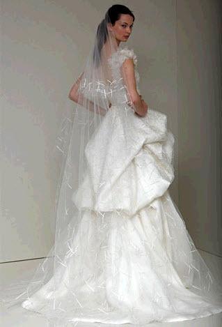 Leisel-monique-lhuillier-spring-2011-wedding-dress-ivory-jewelled-neckline-hand-tufted-skirt-back.full