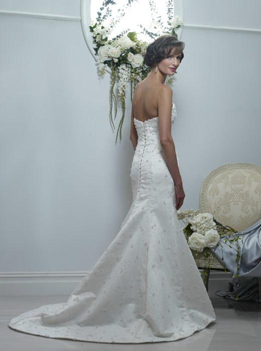 Spring-2011-wedding-dresses-veronica-sweetheart-neckline-beaded-mermaid-back.full