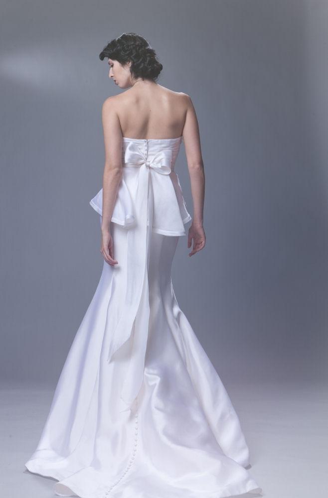 Sarah-houston.payton-2011-strapless-wedding-dress-mermaid.full