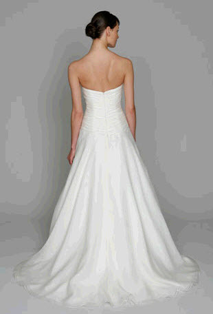 Bl1102-bliss-by-monique-lhuillier-wedding-dress-2011-sweetheart-a-line-back.full
