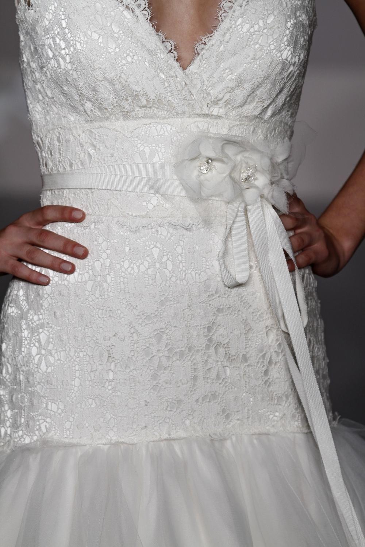 1100-spring-2011-blush-by-jlm-wedding-dress-drop-waist-back-tulle-lace-detail.full