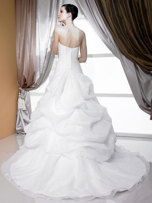 J6171-2011-wedding-dress-vintage-chic-strapless-princess-silver-applique-back.full