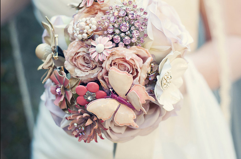 wedding flower alternatives bridal bouquets from Etsy romantic pink pastel brooches