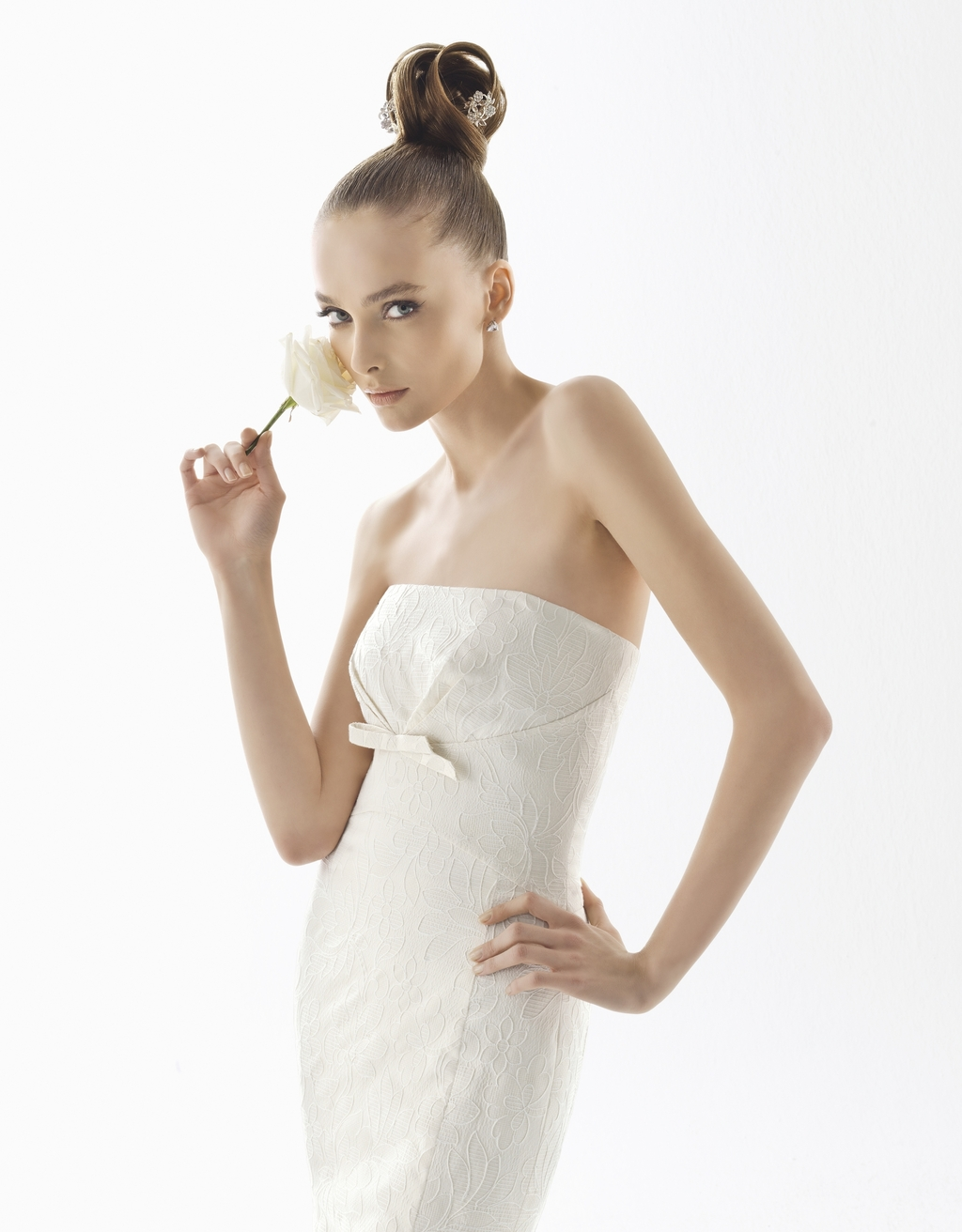 112-efigie-2011-wedding-dress-rosa-clara-straples-white-lace.full