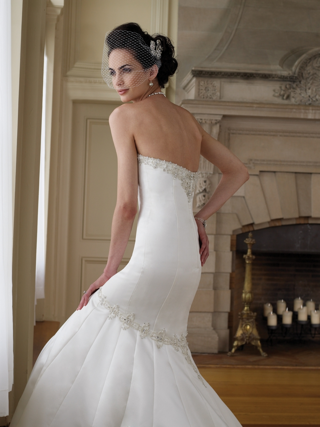 111209-mon-cheri-bridals-2011-wedding-dress-mermaid-trumpet-ivory-strapless-back.full