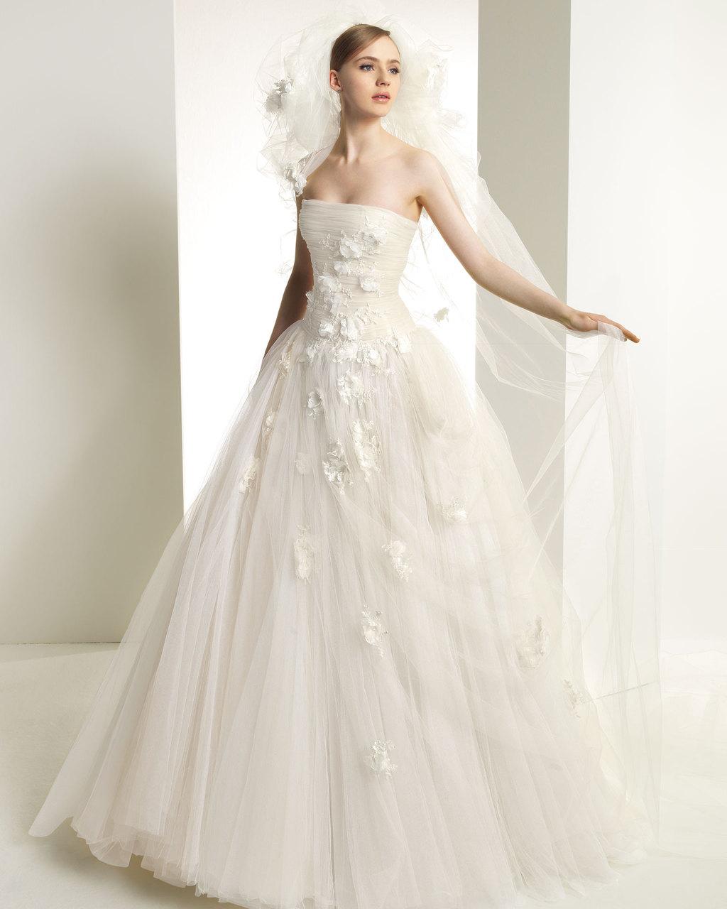 2013-wedding-dress-zuhair-murad-for-rosa-clara-bridal-gowns-107.full