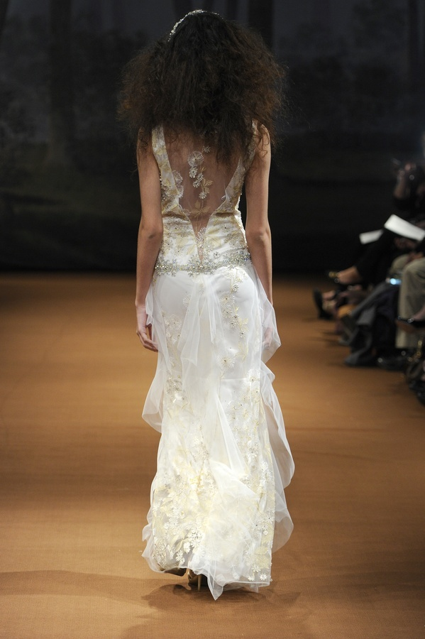 Dandelion-2011-wedding-dress-claire-pettibone-back.full