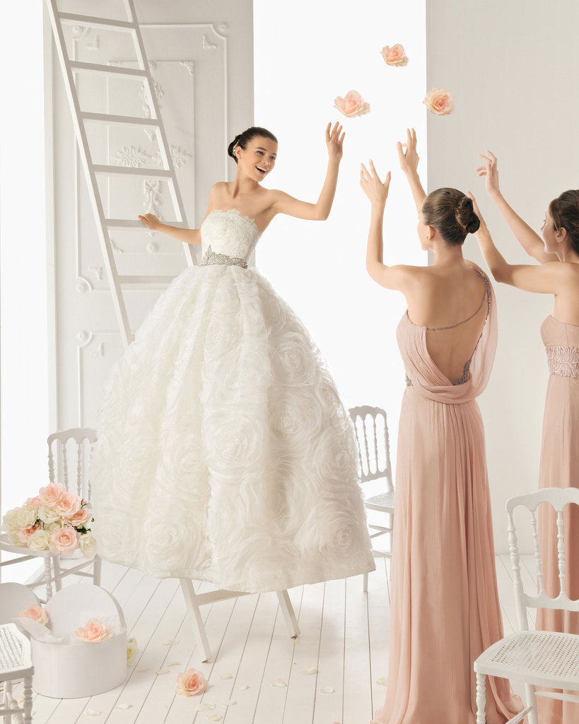 photo of 25 New Wedding Gowns from Aire Barcelona