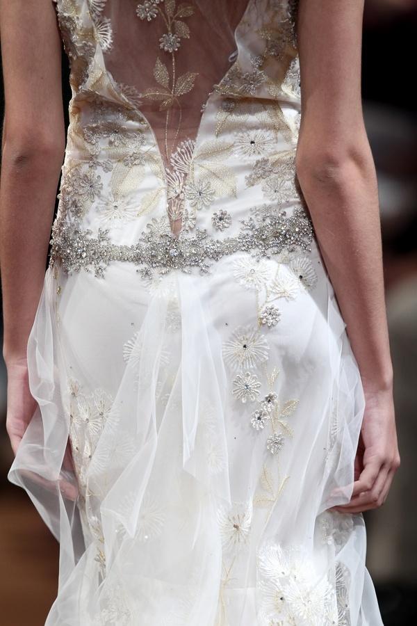 Dandelion-2011-wedding-dress-claire-pettibone-back-detail.full
