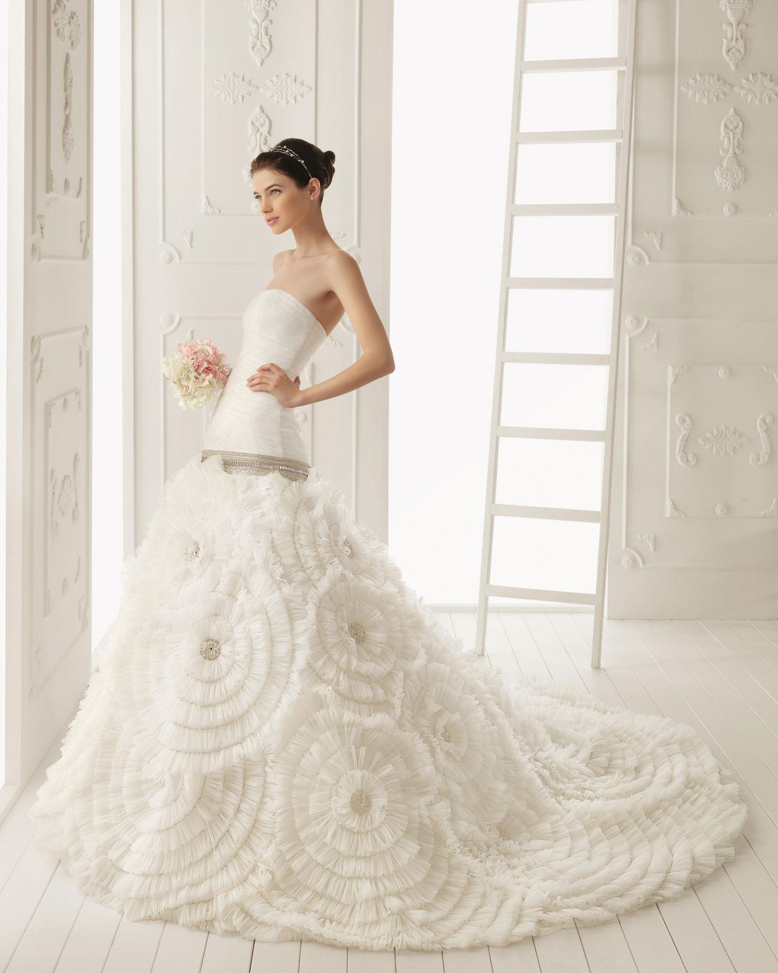 2013 wedding dress aire barcelona bridal gowns rosana for Wedding dresses in barcelona spain