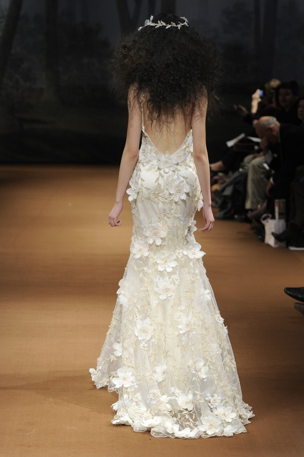 Flora-2011-wedding-dress-claire-pettibone-silk-floral-leaf-applique-back.full