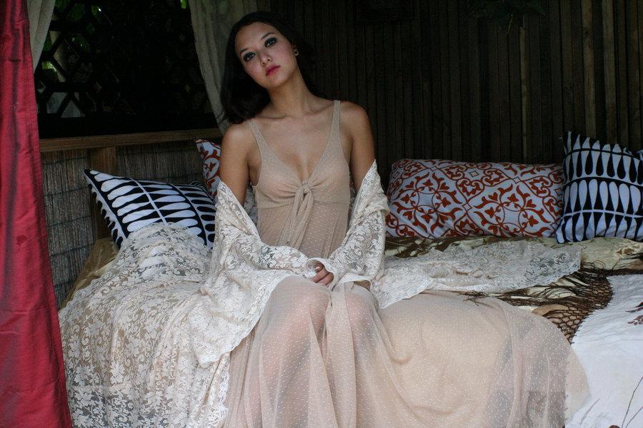Romantic-bridal-lingerie-for-bohemian-bride-polka-dots-lace.full