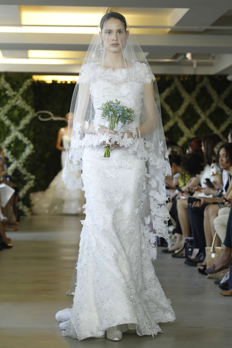 wedding dresses for traditional church ceremonies Oscar de la Renta 2013 bridal 2